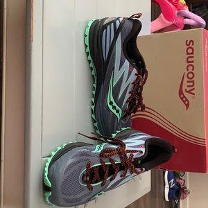 Saucony Peregrine 5 women's athletic shoes